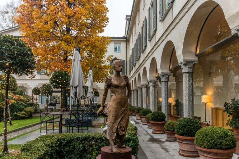 four seasons milano .jpg